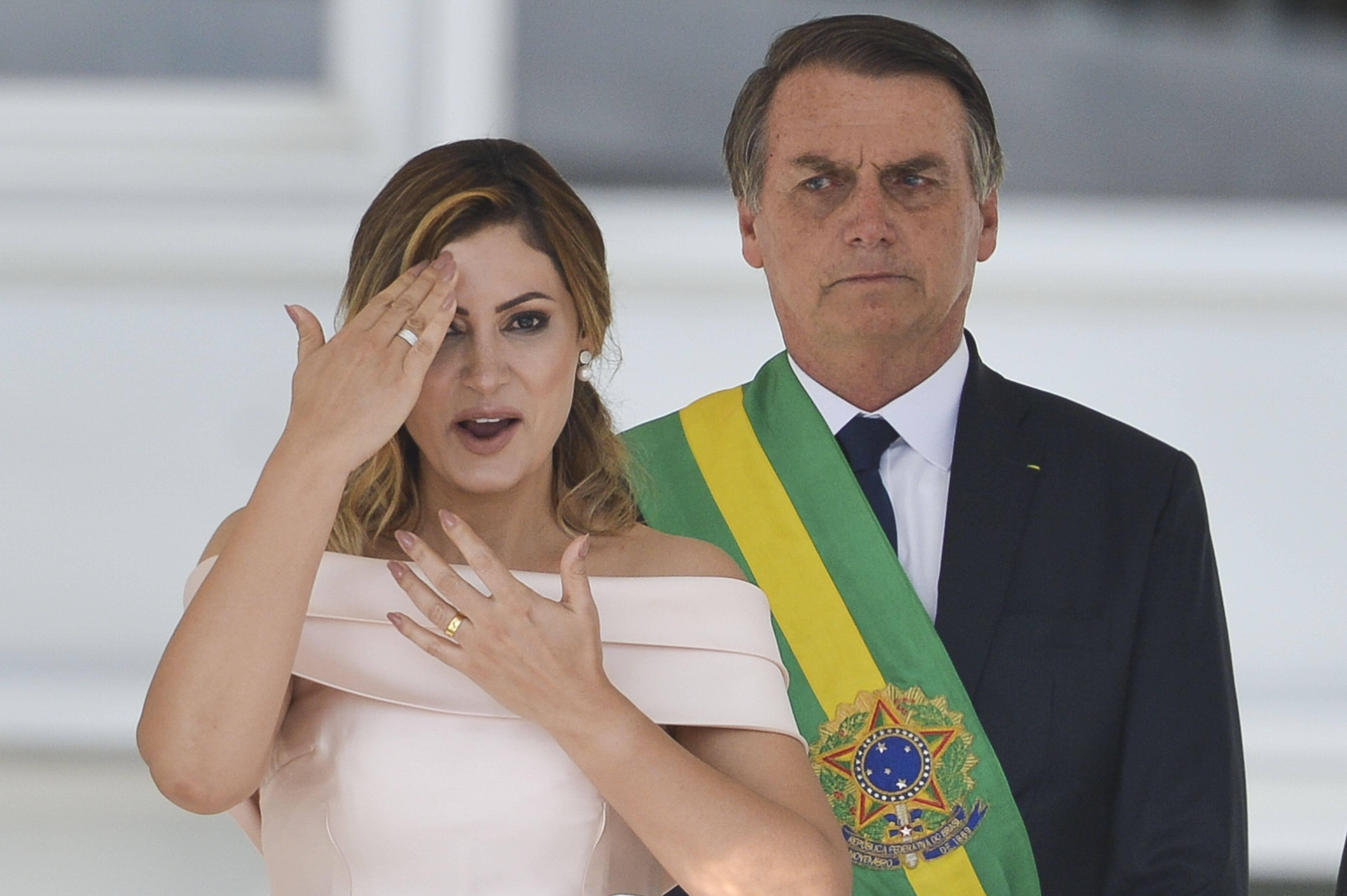 Michelle Bolsonaro durante seu discurso, em libras, no parlatório do Planalto. Foto: Marcelo Camargo/Agência Brasil - 1.1.19