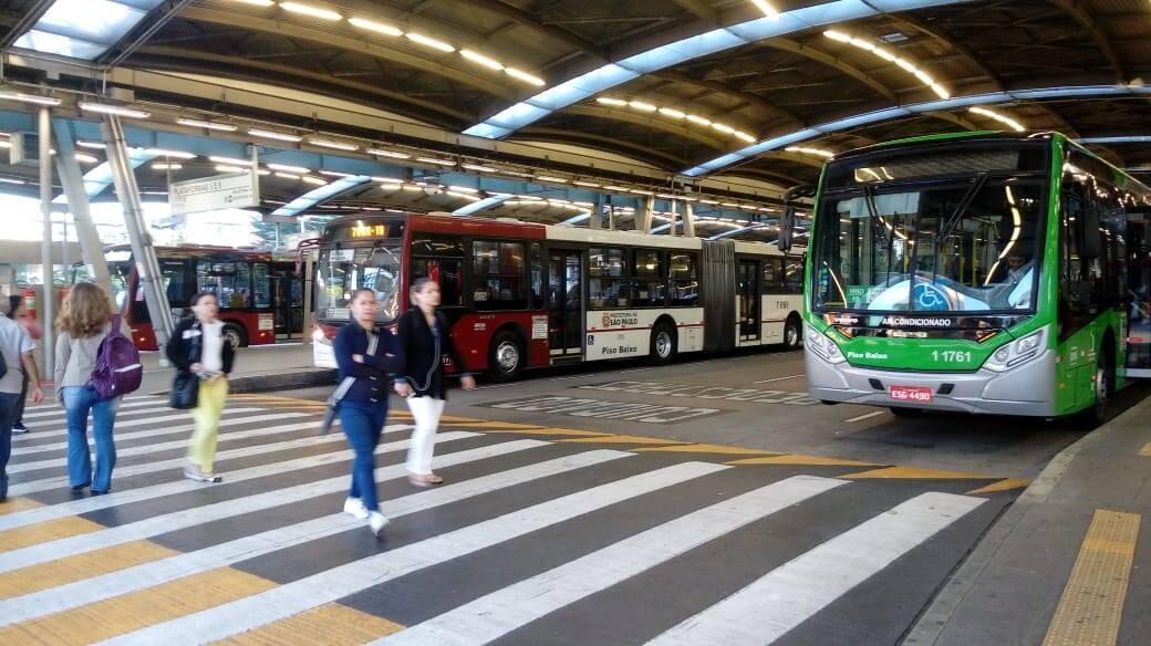 Operação no terminal de ônibus na Estação Pinheiros nesta manhã. Foto: Sara Baptista/iG São Paulo - 14.6.19