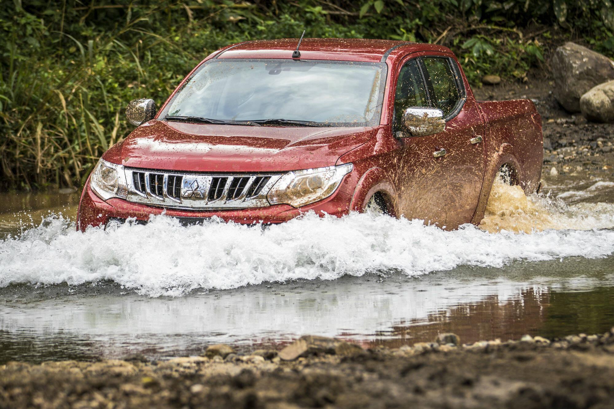 Nova geração da picape Mitsubishi L200 vai conviver com o modelo atual no Brasil. Foto: Divulgação