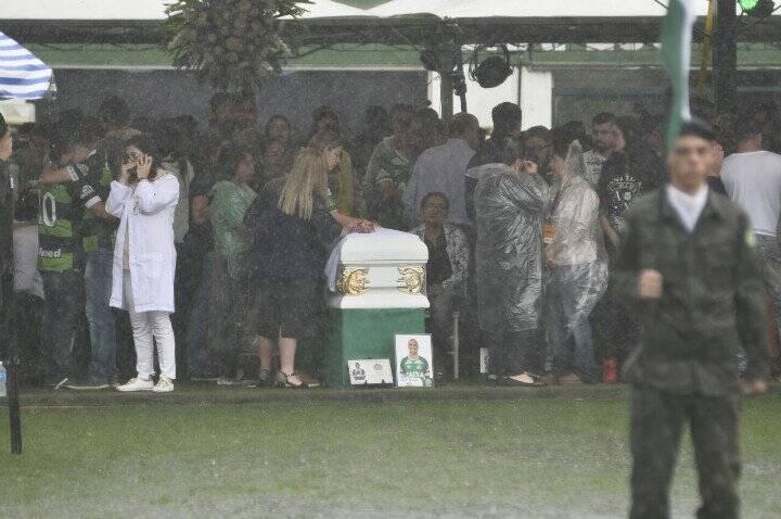 Muita emoção na Arena Condá. Foto: Reprodução/Breno Fortes/Correio Braziliense