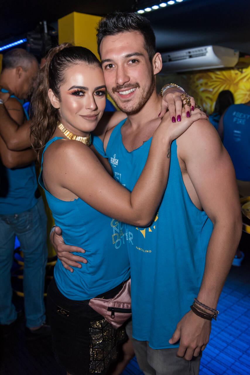 Mari Saad e Guilherme Suetugo no Camarote Salvador, na última segunda-feira (12). Foto: Caio Duran e Marcelo Brammer