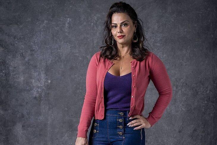 Em 2019, Viviane Araújo interpretou uma mulher que buscou confirmar a paternidade de sua filha a todo custo. Até o momento, a atriz não teve um filho. Foto: Divulgação / Rede Globo