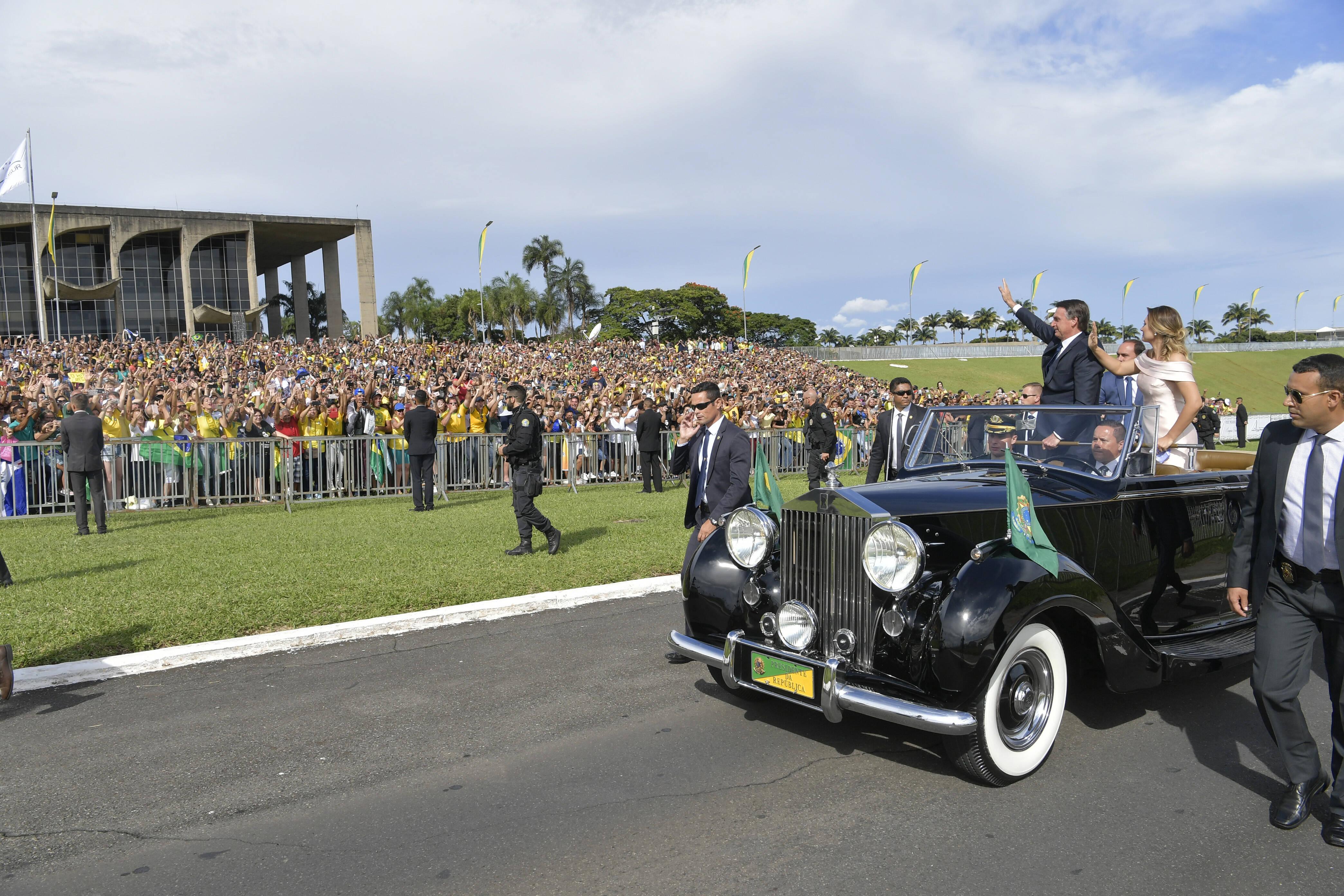 Posse de Bolsonaro teve desfile em carro aberto do presidente ao lado da primeira-dama, Michelle. Foto: Marcos Brandão/Agência Senado - 1.1.19
