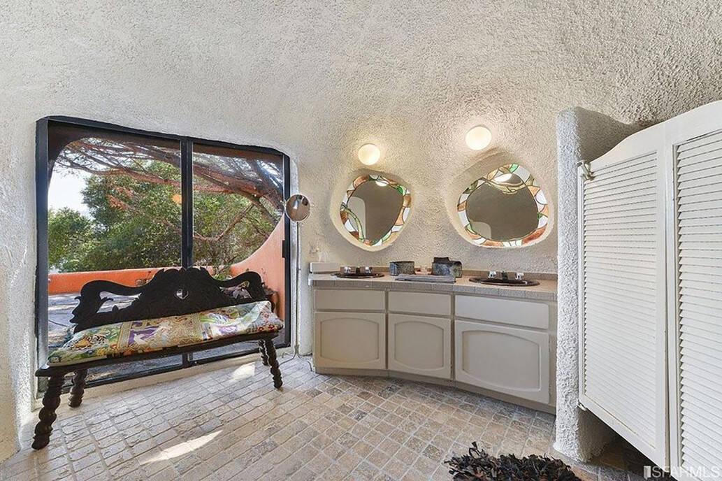 Banheiro inspirado no seriado. Foto: Getty Image/Realtor.com