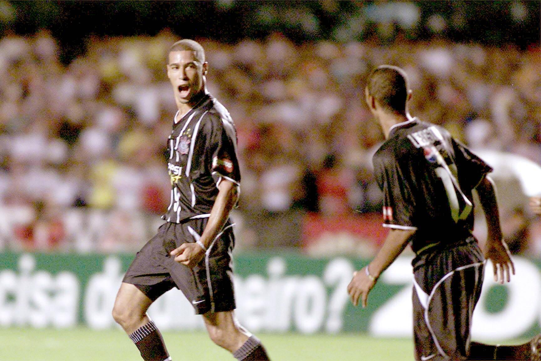 Jorge Wagner foi campeão por Corinthians e São Paulo. Foto: Gazeta Press