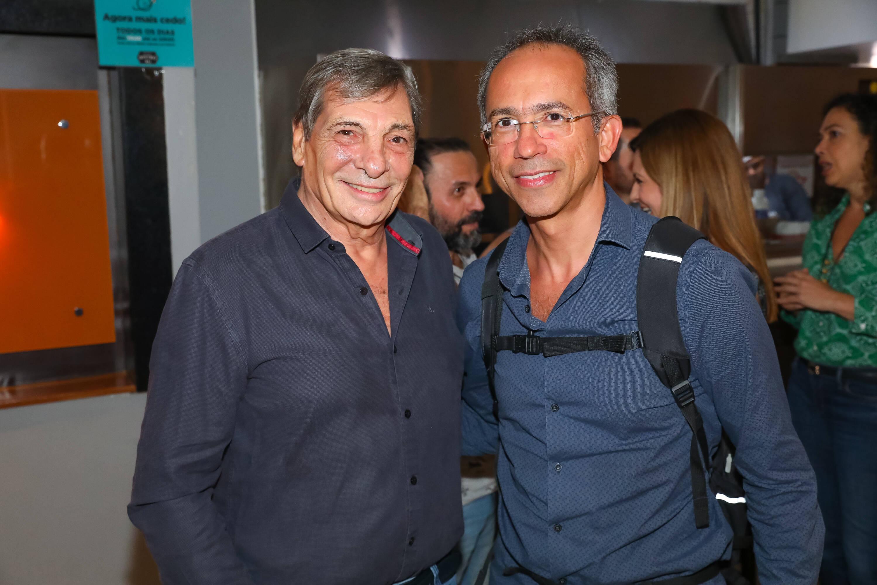 """Jean Thomas e Manoel Rangel na pré-estreia de """"Happy Hour – Verdades e Consequências"""" . Foto: Divulgação/Imovision"""