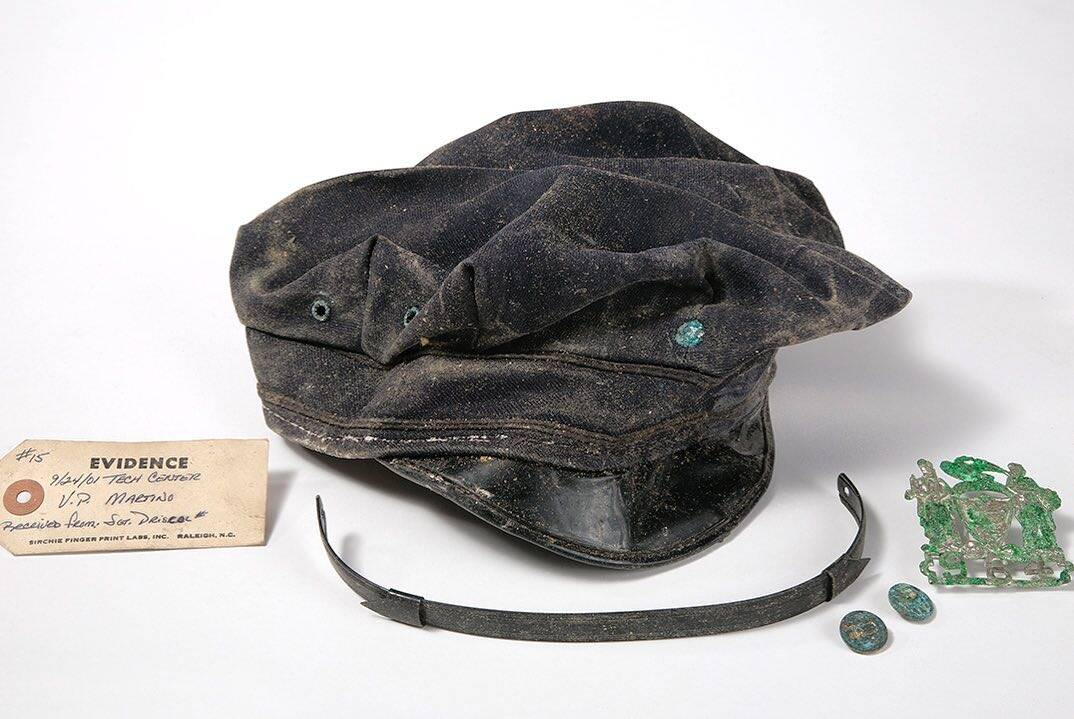 Chapéu usado por um dos policiais que morreram no World Trade Center. Foto: Reprodução/Instagram