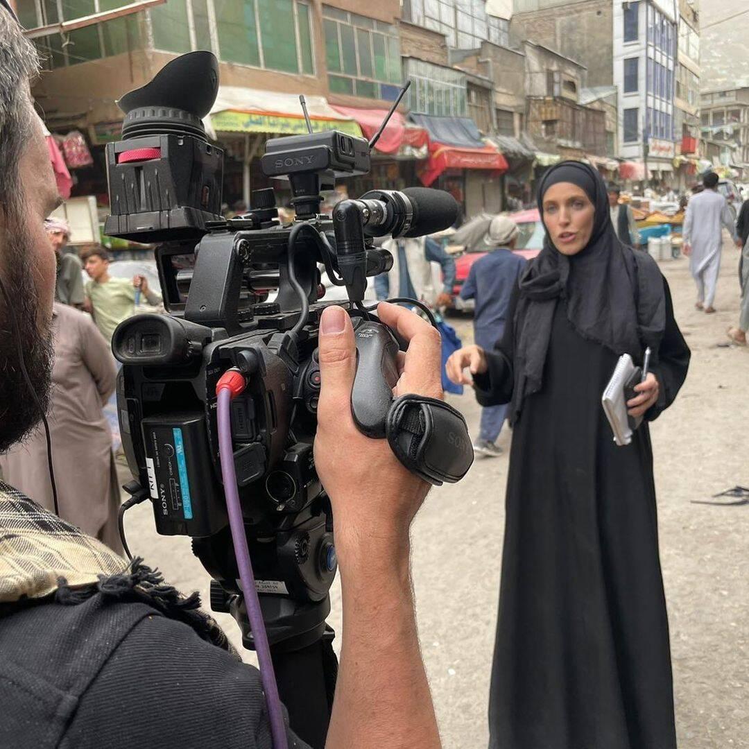 Clarissa Ward, saiba quem é a jornalista da CNN que chamou atenção na cobertura no Afeganistão. Foto: Instagram