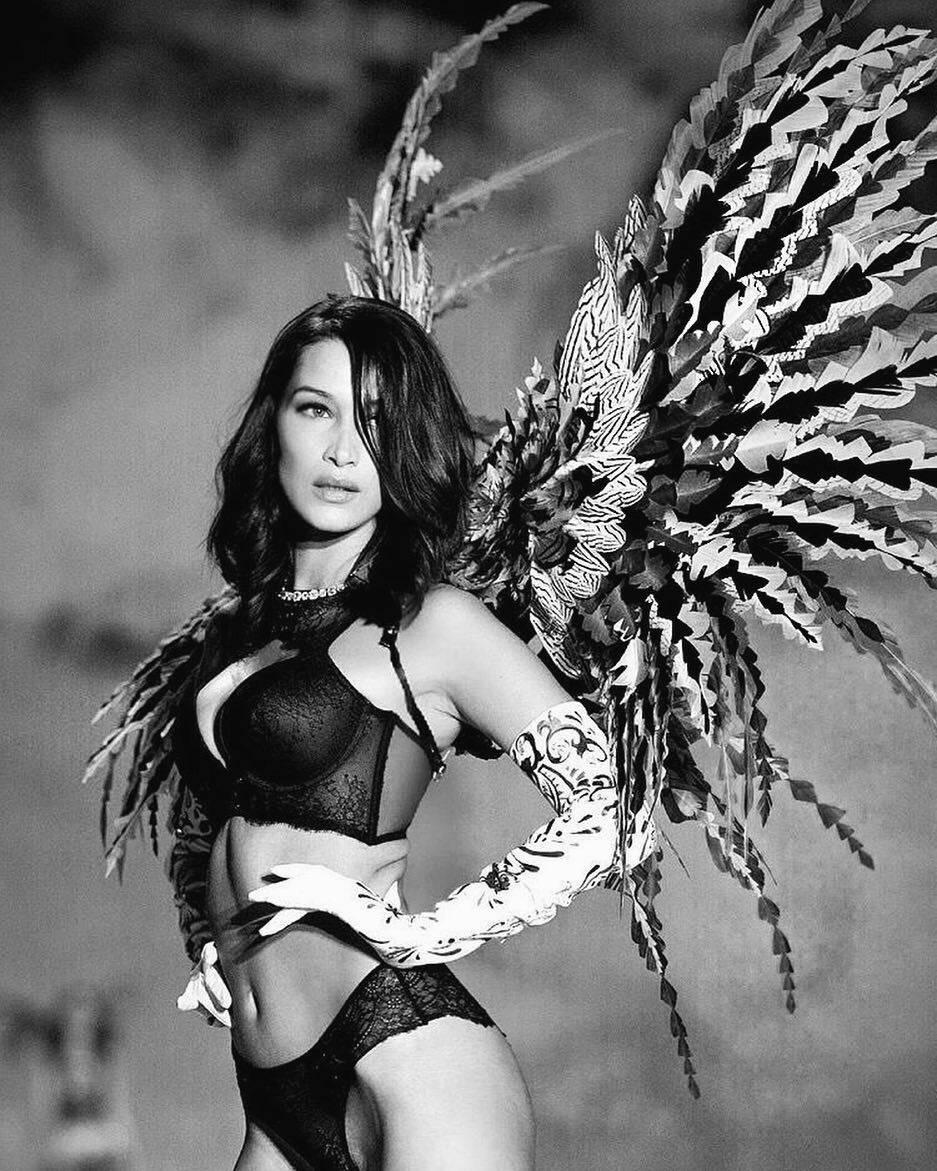 A modelo Bella Hadid esbanjou sensualidade com sua beleza exótica. Foto: Bella Hadid