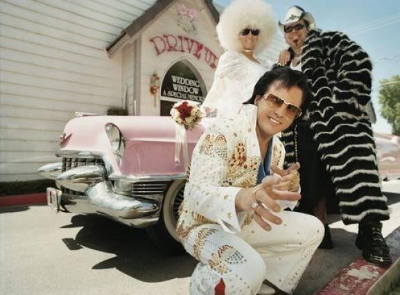Em Las Vegas, tudo pode acontecer: sósias de personagens famosos, como Elvis, estão por todos os lados. Foto: Getty Images