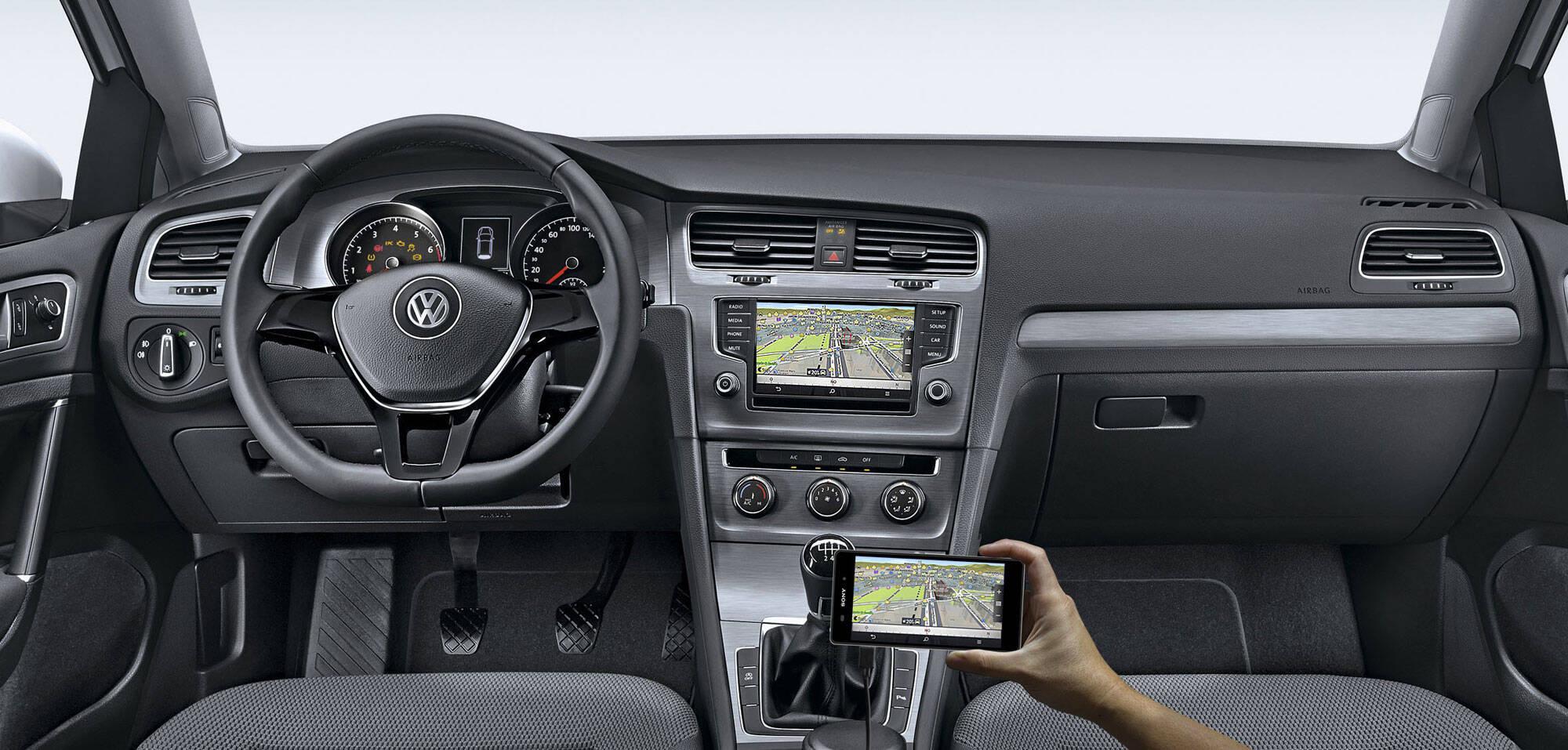 Esqueça o motor 1.6, o Volkswagen Golf 1.0 TSI é a verdadeira versão de entrada do hatch médio, por R$ 74.990.. Foto: Divulgação/Volkswagen