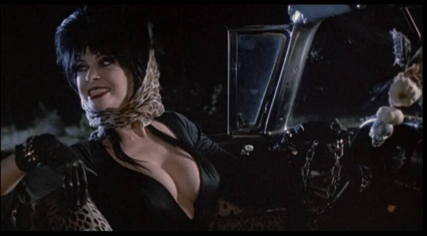 A persona de gótica roqueira se tornou um sex symbol. Foto: Reprodução