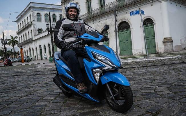 O novo Honda Elite 125 tem porte de scooter maior. Foto: Divulgação