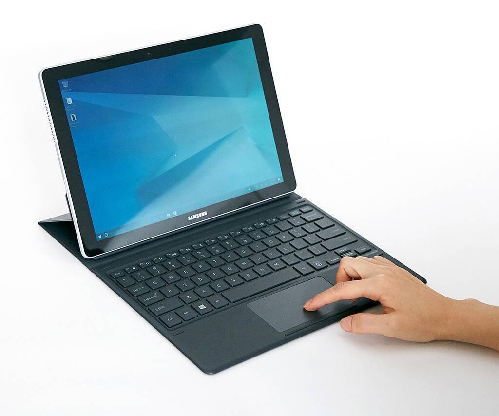 Dispositivos são compatíveis com teclados Pogo, que não exigem carregamento em separado. Foto: Divulgação