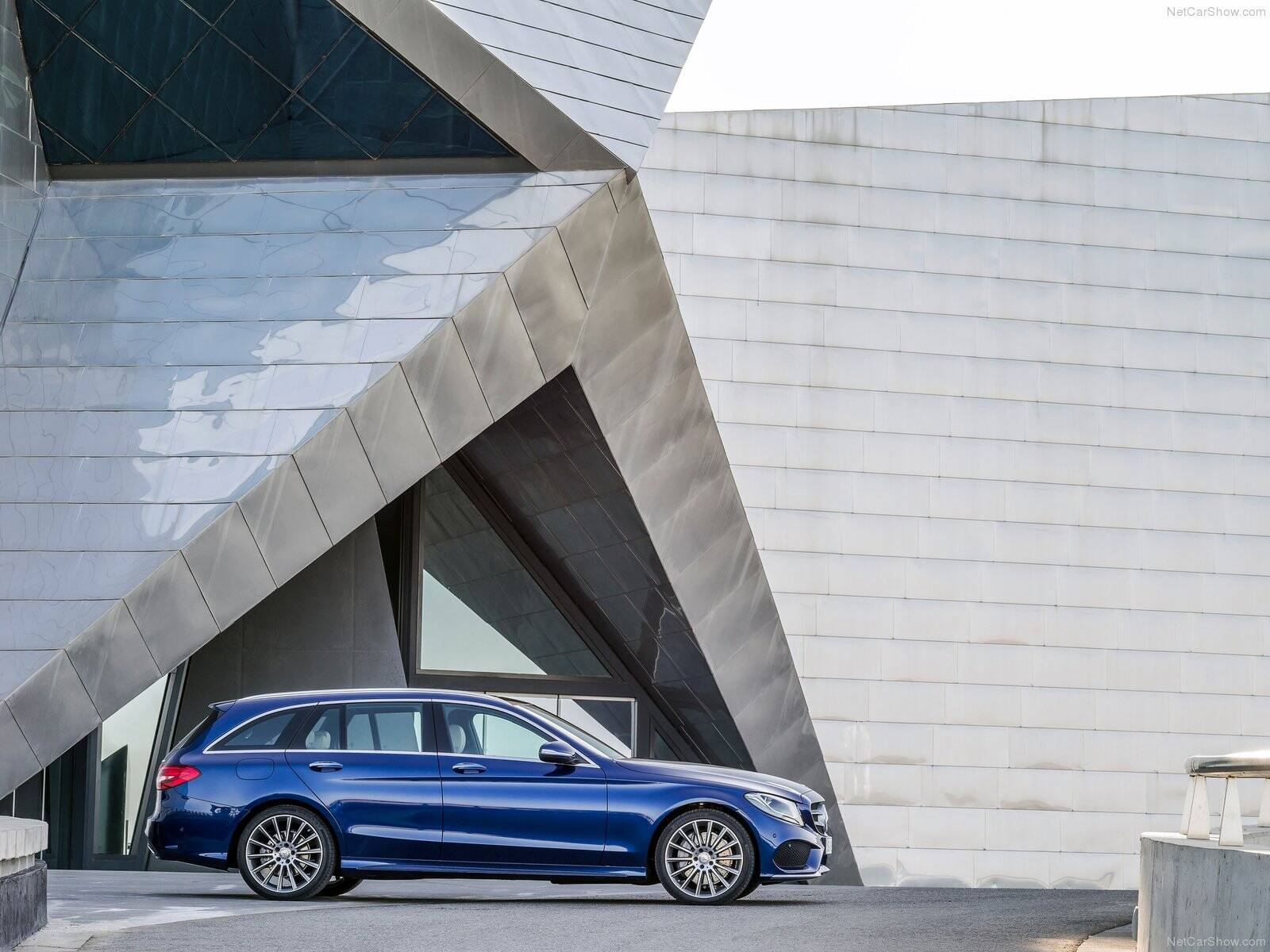 Audi A4 Avant x Mercedes C300 Estate . Foto: Divulgação