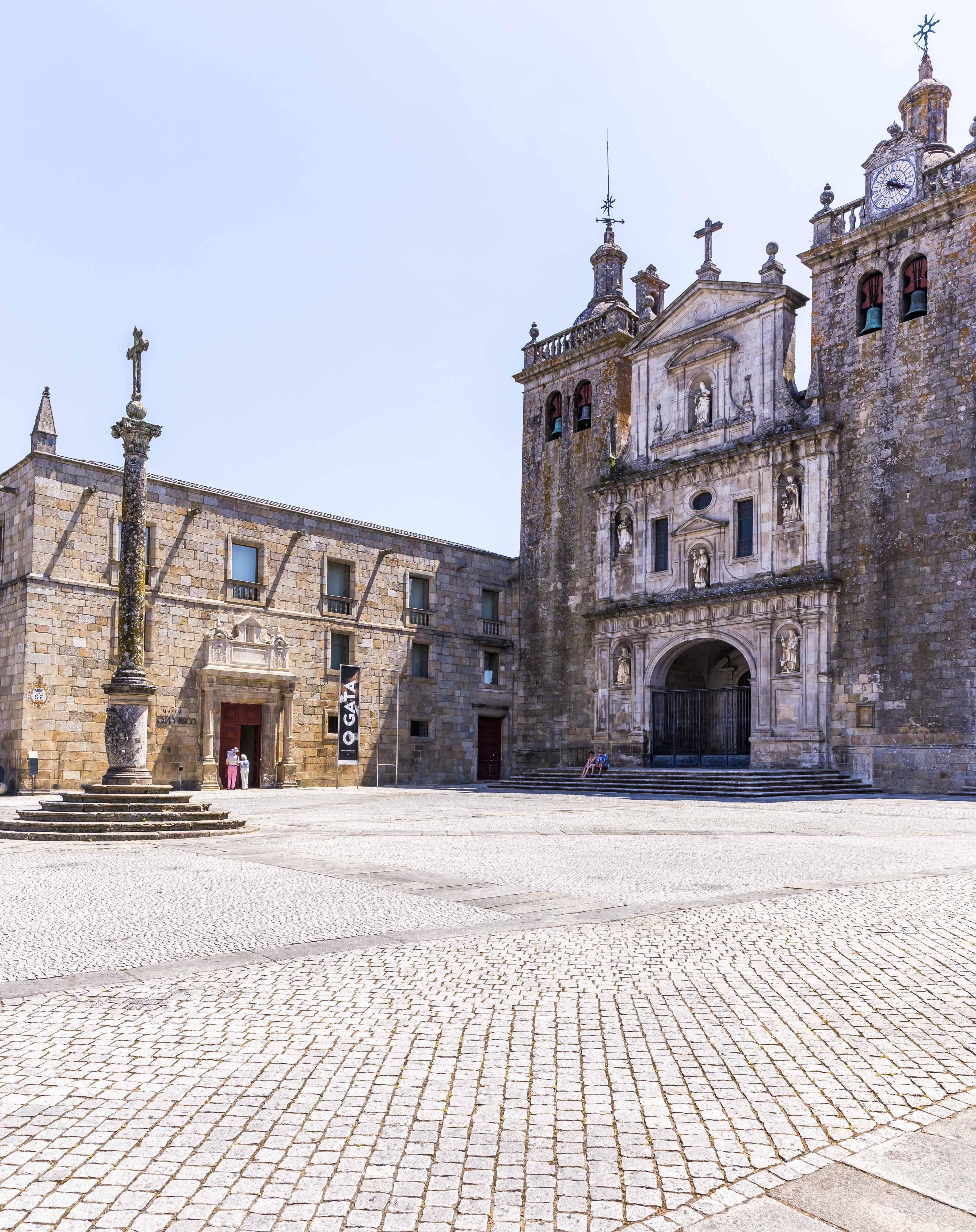 As construções medievais de Viseu contrastam com a população universitária que agita os bares e restaurantes. Foto: Victor Carvalho/Turismo de Portugal