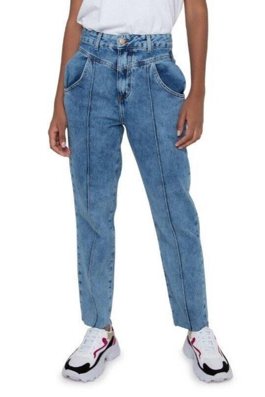 Calça Mom Jeans R$ 79,99. Foto: Caedu