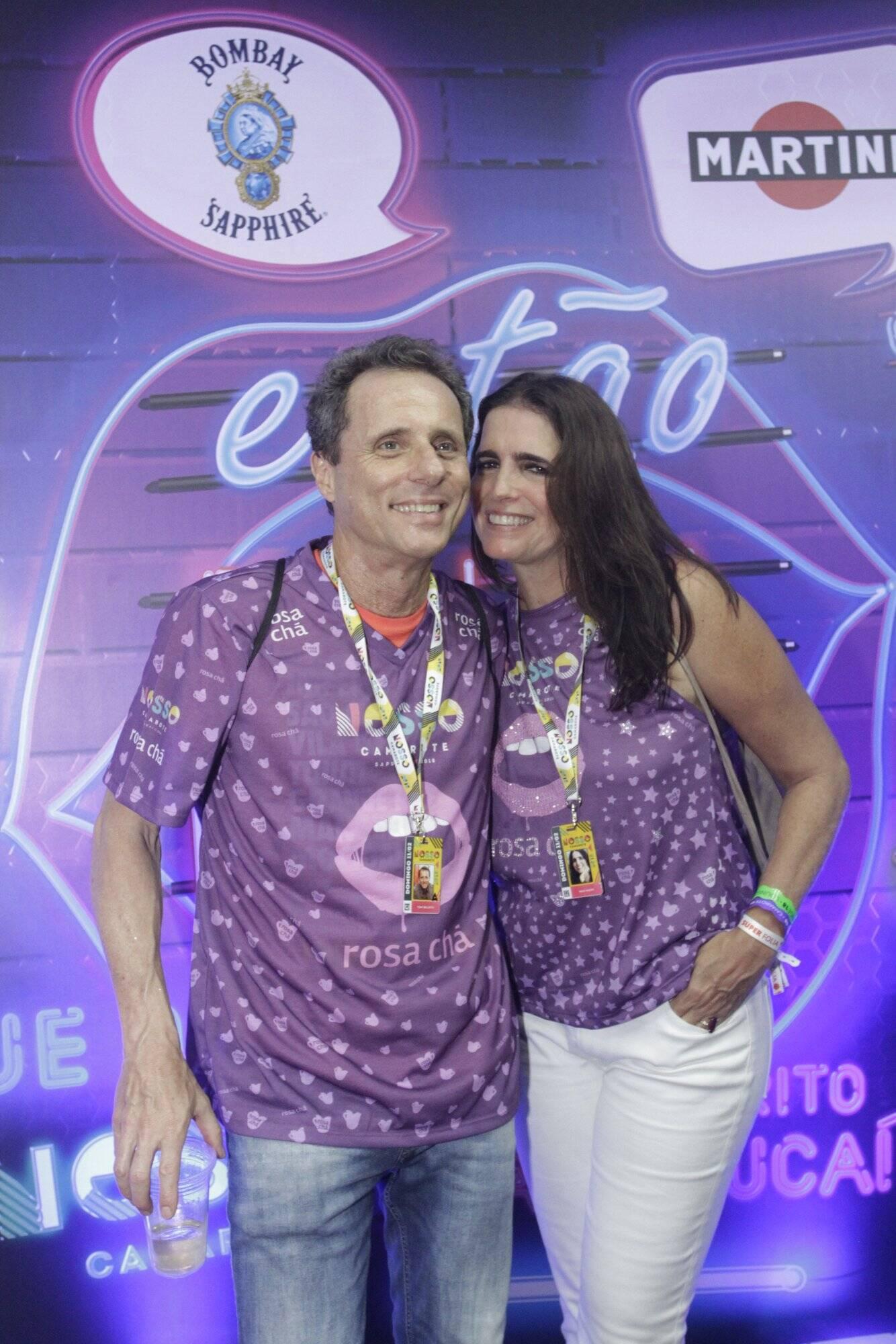 Tony Bellotto e Malu Mader curtiram a noite de desfiles do Grupo Especial do Rio, no último domingo (11). Foto: RT Fotografia/Brazil News/CS Eventos Divulgacao