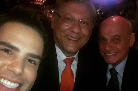 Ricardo Boechat, Luiz Bacci e Milton Neves durante celebração de fim de ano. Foto: Reprodução / TV Band / Instagram