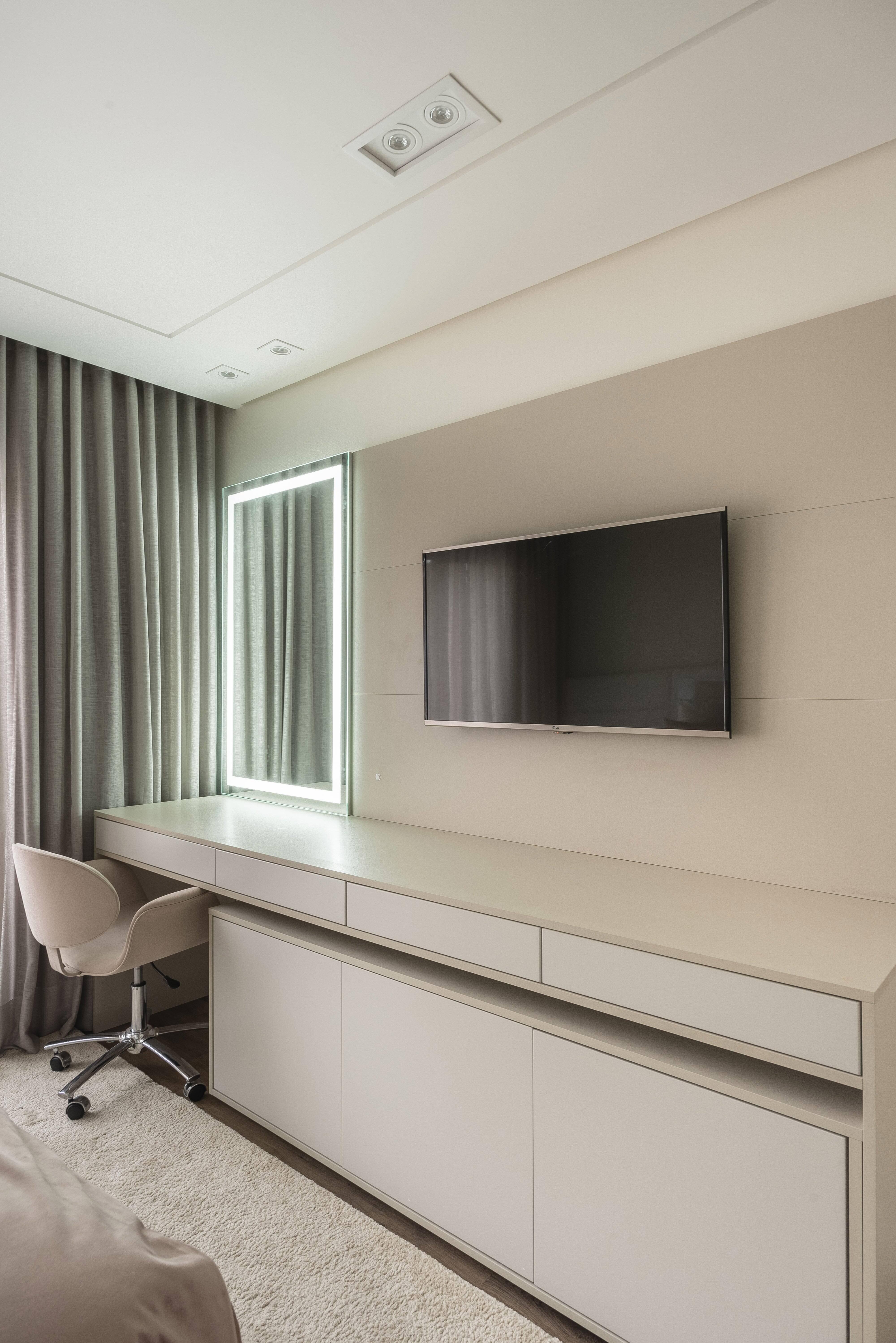 Para os mais vaidosos, uma penteadeira pode ser integrada ao quarto. Foto: Henrique Ribeiro