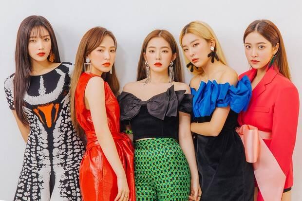 Da esquerda para a direita: Joy, Wendy, Irene, Seulgi e Yeri . Foto: Divulgação/SM