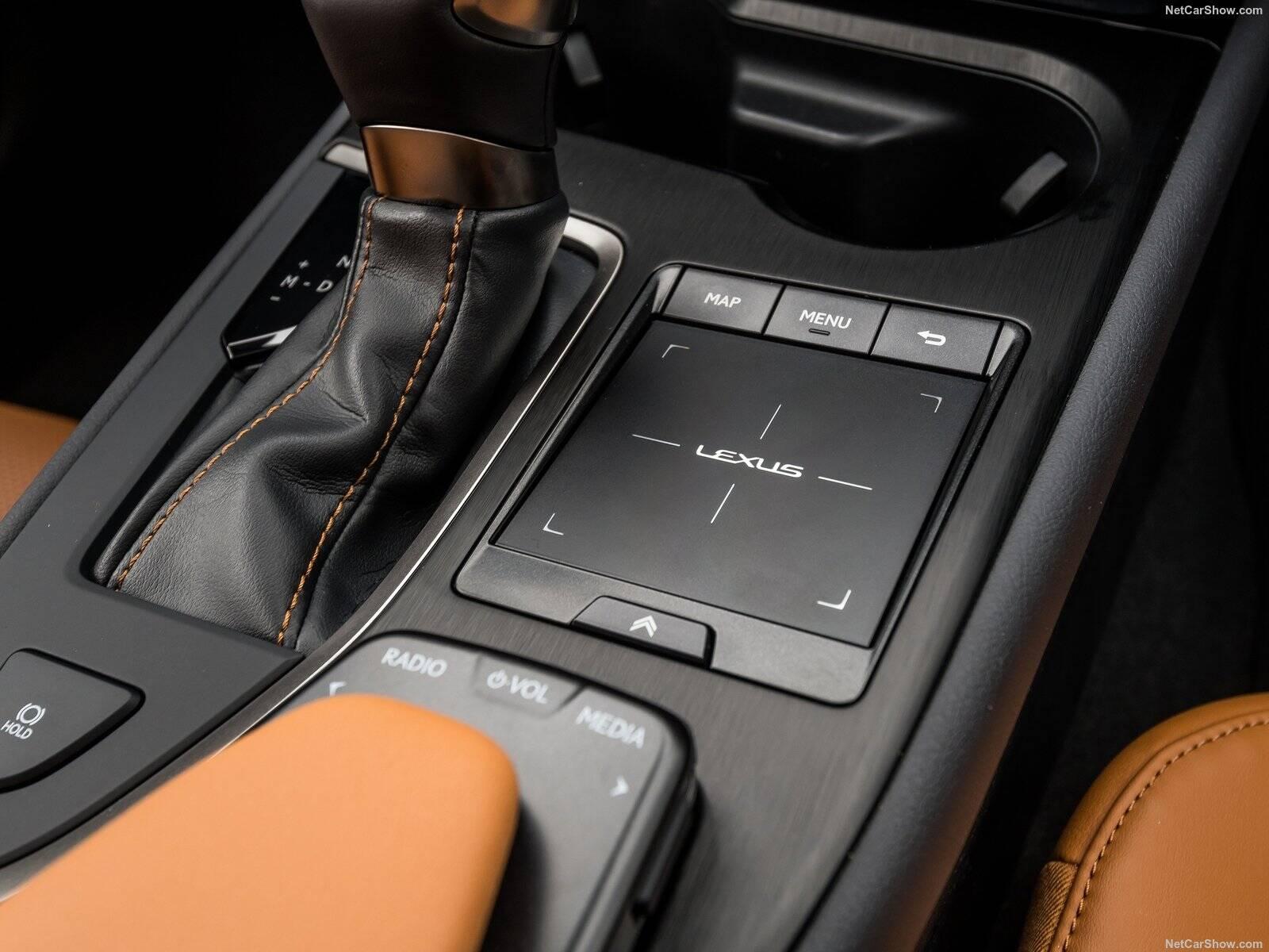 Lexus UX 250h. Foto: Divulgação