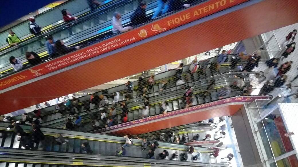 Transporte público opera parcialmente durante a greve geral nesta sexta-feira em São Paulo. Foto: Sara Baptista/ iG São Paulo