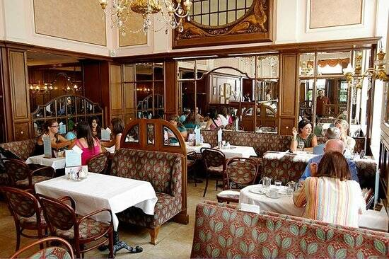 O Café Mozart reuniu a nata de artistas do século 18 e está em atividade até hoje. Foto: Reprodução/TripAdvisor