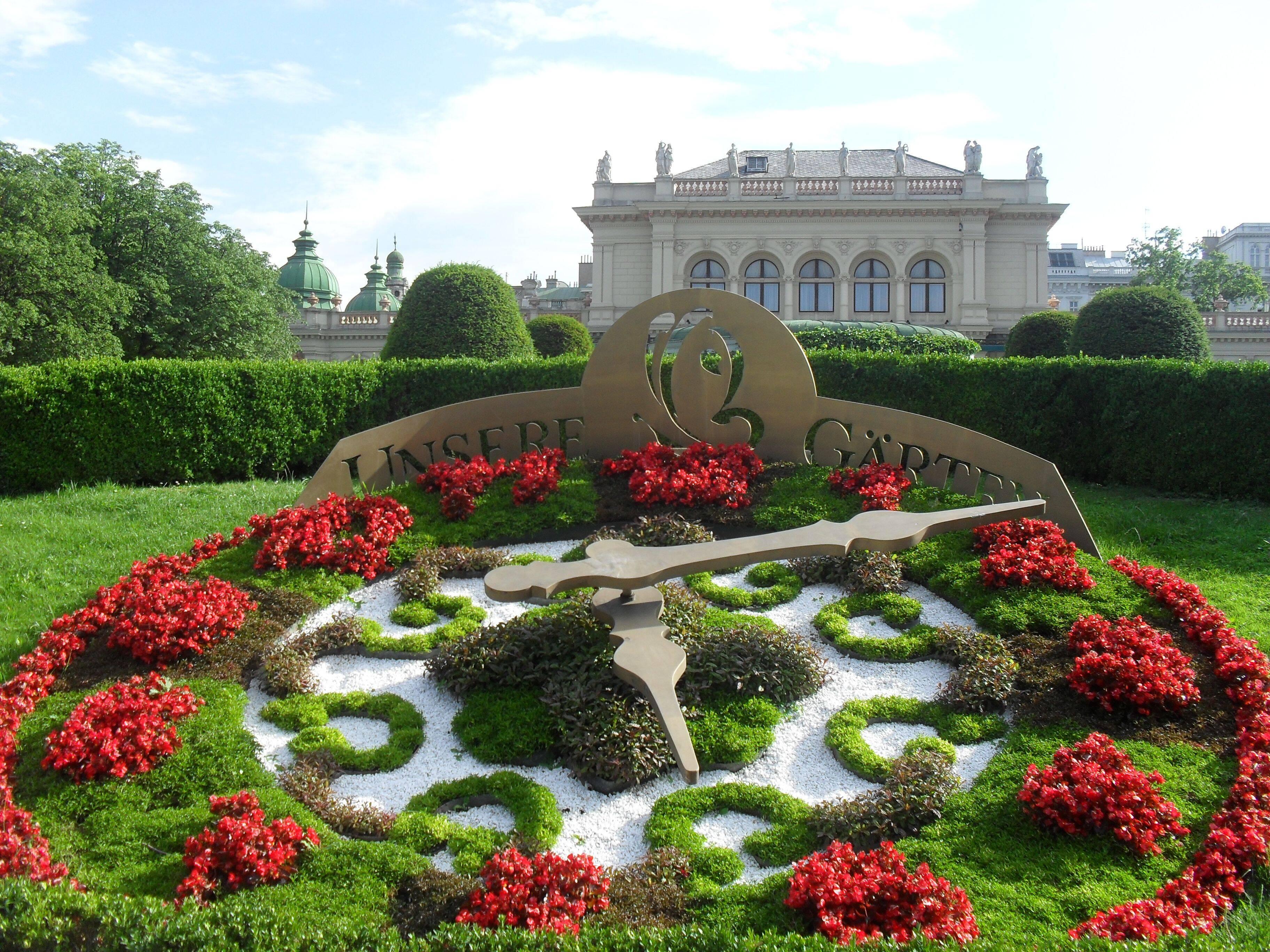 Quem gosta de jardins vai adorar os recortes em estilo inglês do Stadtpark. Foto: Reprodução/Pinterest