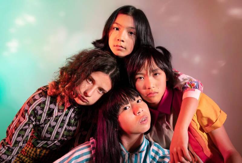 O grupo The Linda Lindas estourou durante a pandemia do novo coronavírus pelas letras políticas e pelo revival do punk rock de garagem. Foto: Reprodução