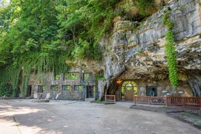 A caverna foi inicialmente esculpida por uma empresa que queria usá-la como um bunker nuclear. Foto: Jam Press/Beckham Creek Cave Lodge