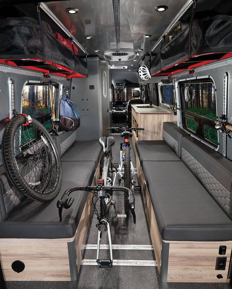 Motorhome Interstate 24X Airstream usa a base da van Sprinter da Mercedes e foi pensada para oferecer o máximo de conforto a seus ocupantes.. Foto: Divulgação