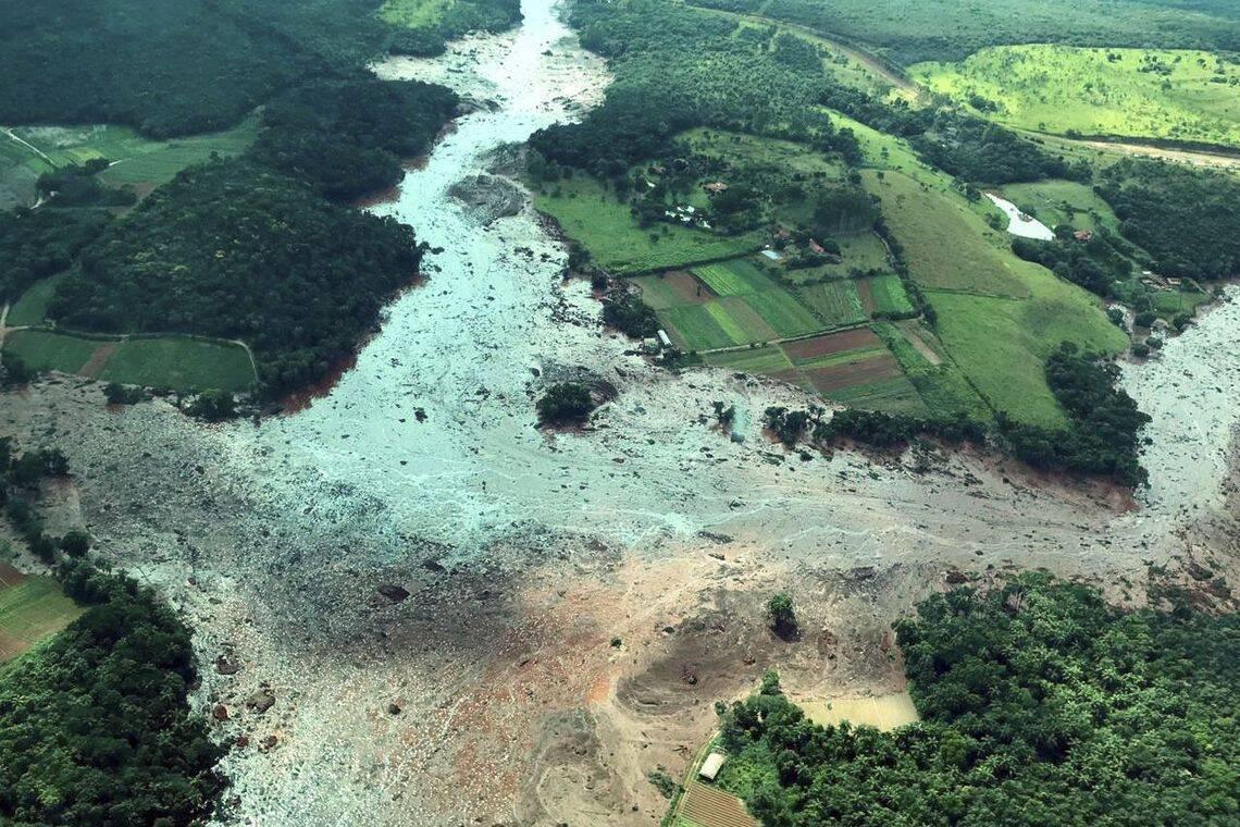 Nesta segunda-feira (28), os Bombeiros confirmam 60 mortos e 292 desaparecidos em Brumadinho. Foto: Presidência da Republica/Divulgação