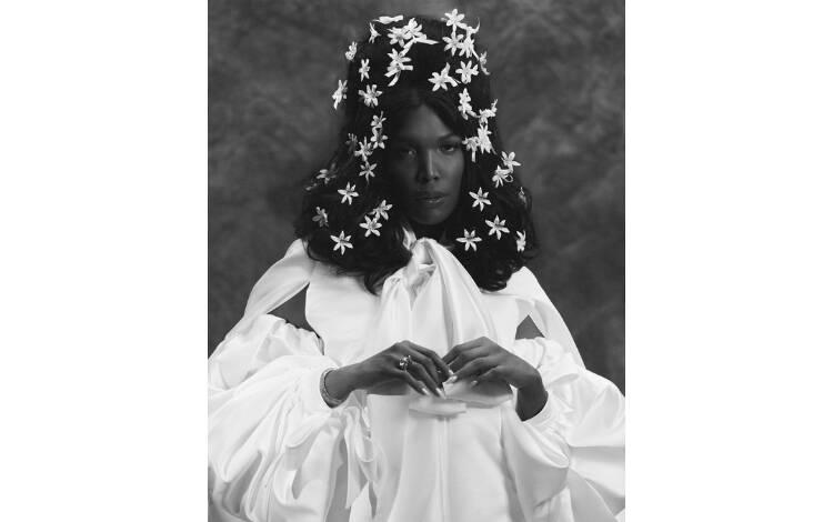 Majur no ensaio para a Vogue Noivas. Foto: Reprodução/Instagram @voguenoivas/Fotos Mariana Maltoni