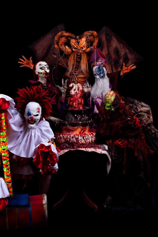 Personagens performam no aniversário da Hora do Horror. Foto: Anderson Torres
