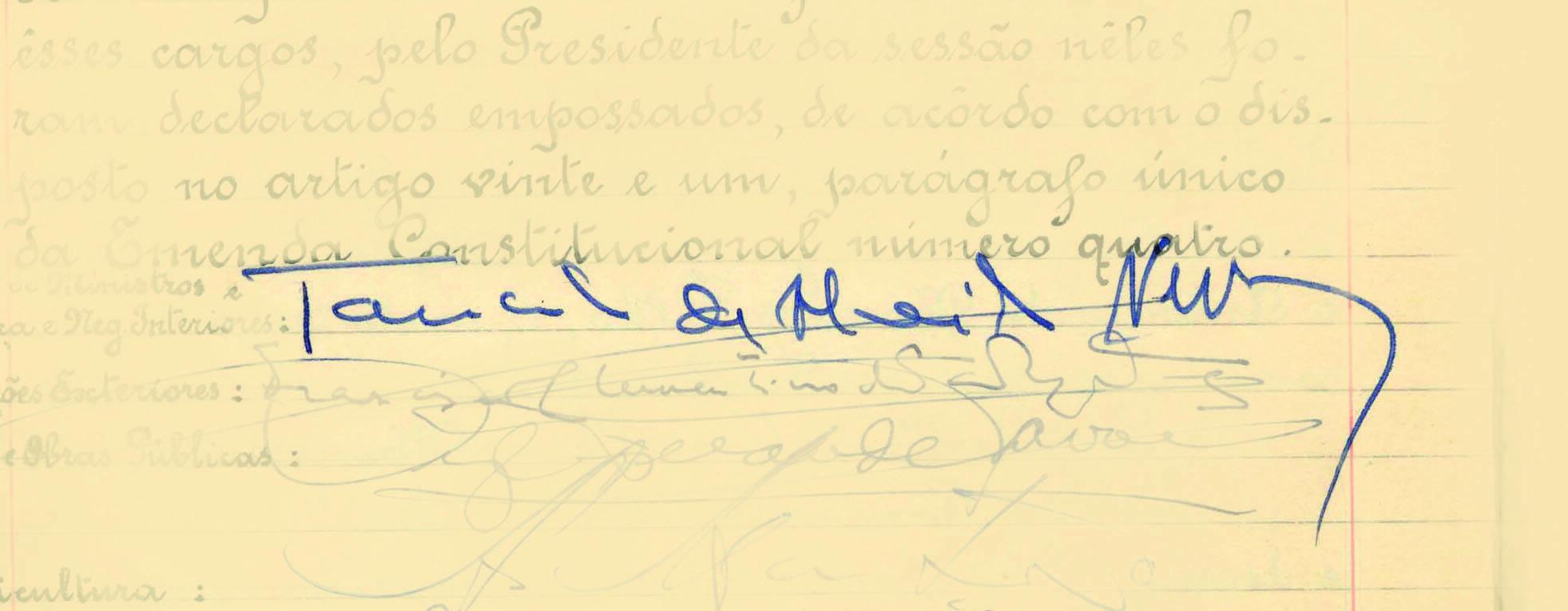 O termo de posse de Tancredo Neves em 1985 não chegou a ser assinado; este autógrafo é da sua posse como primeiro-ministro, em 1961. Foto: Reprodução / Senado Federal