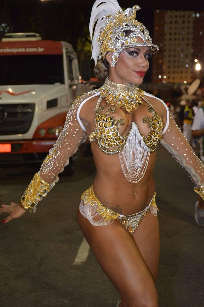 Ana Paula Evangelista veio de Londres para desfilar pela Tijuca nesta segunda-feira (12). Foto: Divulgação