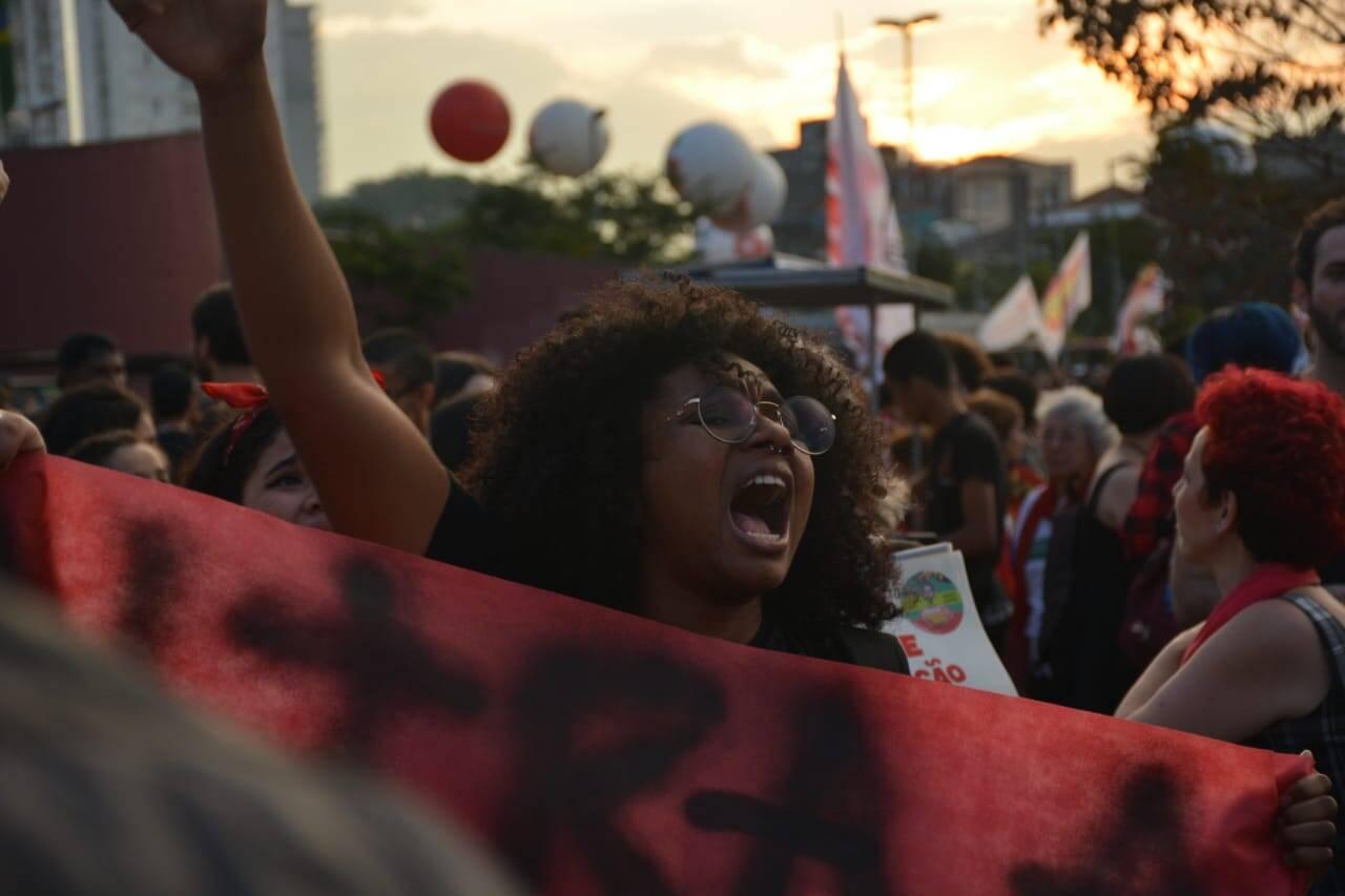 Concentração de manifestantes no Largo da Batata, zona oeste da capital paulista. Foto: Larissa Pereira/iG São Paulo