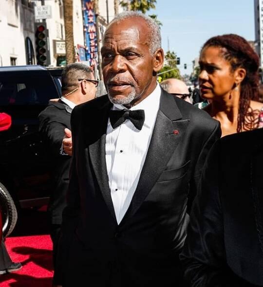 O renomado Danny Glover's também marcou presença no tapete vermelho do Oscar no último domingo (04). Foto: Reprodução Instagram
