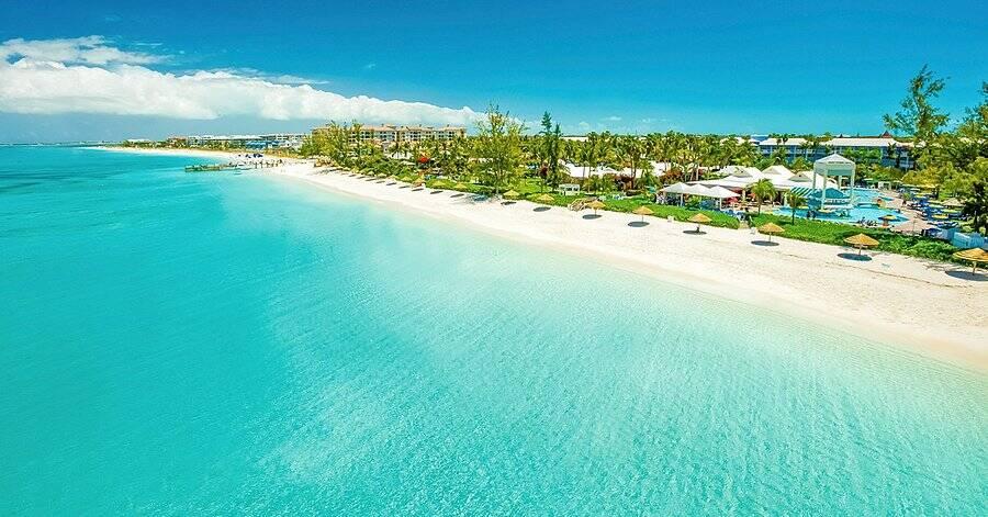 Grace Bay Beach está localizada no meio do Oceano Atlântico. Foto: TripAdvisor