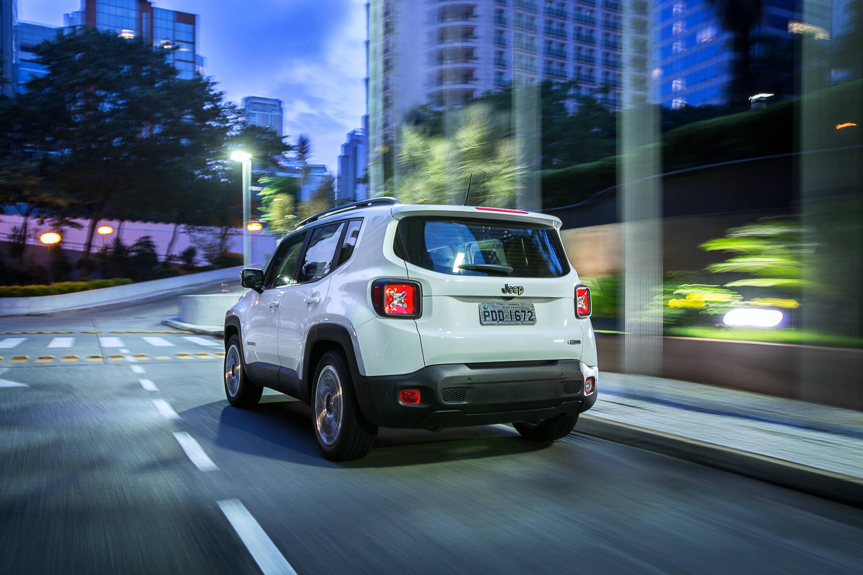 O design inovador das lanternas traseiras as fizeram se transformar numa assinatura de presença deste Jeep. Foto: Divulgação