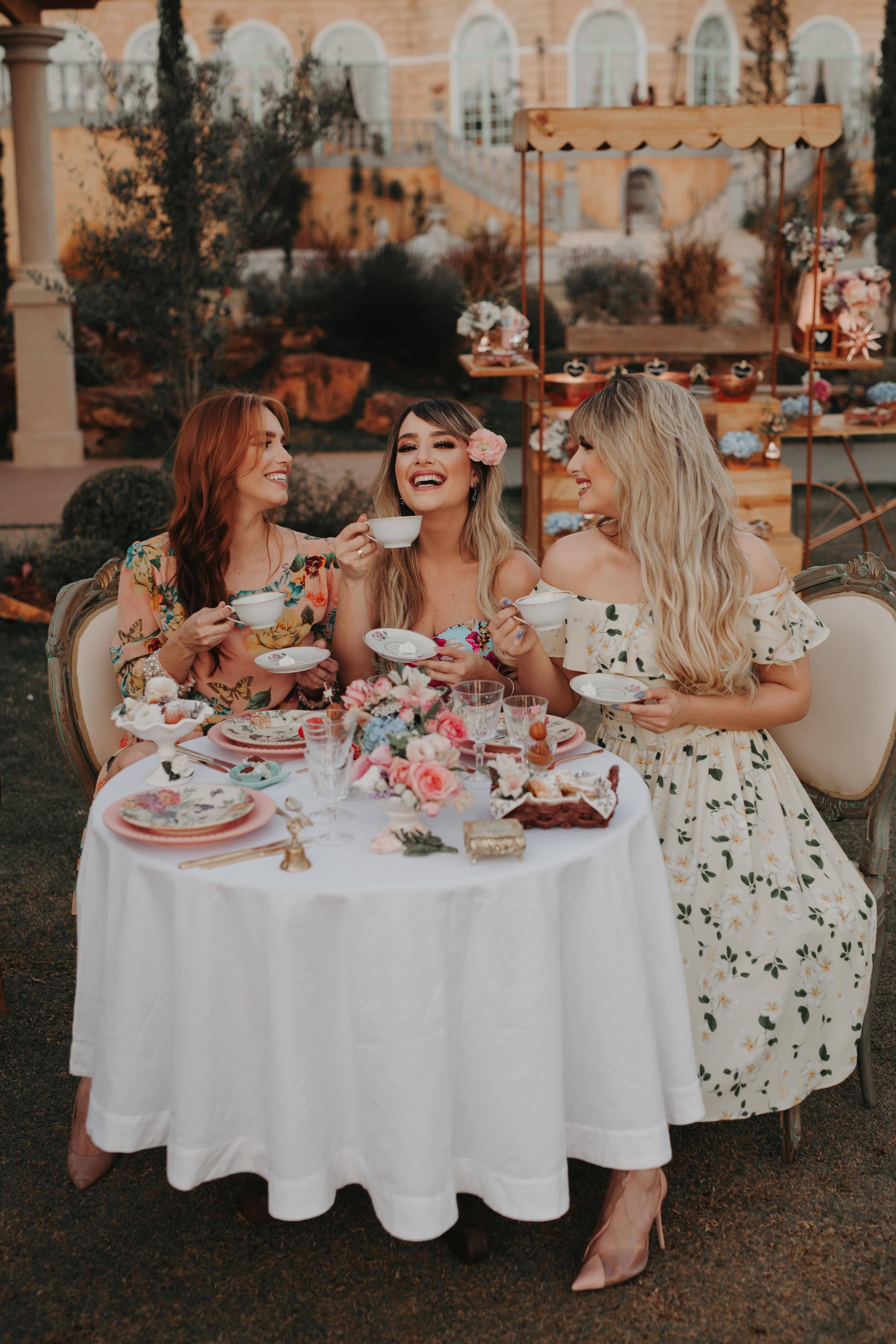 Jéssica conta que o chá da tarde no Villa Giardini pode ser uma experiência maravilhosa entre amigas. Foto: Acervo