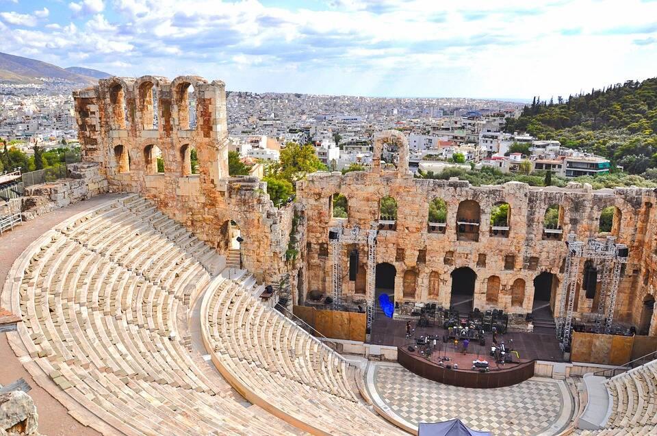 Teatro de Partenon em Acropóle. Foto: Pixabay