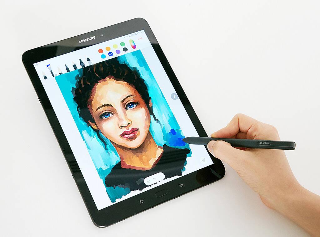 Tablet é compatível com a caneta S Pen, voltada para desenhos e anotações rápidas. Foto: Divulgação