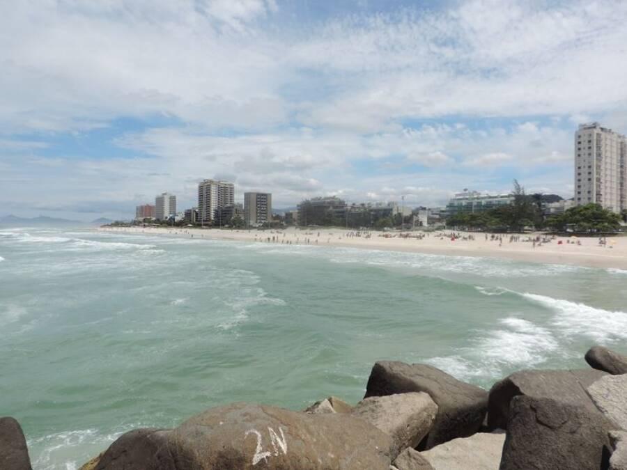 Vista da Praia da Barra. Foto: Reprodução/Dicas de Carioca