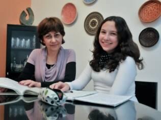 Stella Almeida Rosa e a filha, Verônica Silva Rosa: na adolescência, opinião dos filhos deve pesar na decisão dos pais