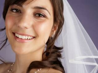 Maquiagem de noiva: atenção especial para a base