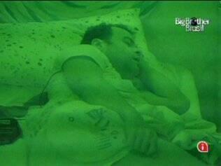 Assim como os demais, Daniel tem sono pesado nesta manhã