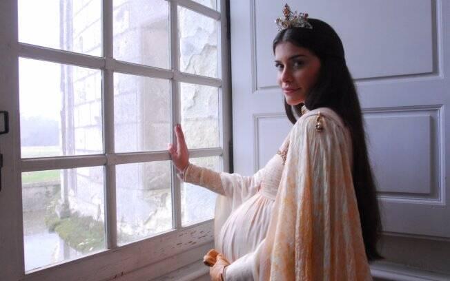 Alinne Moraes será a Rainha Cristina