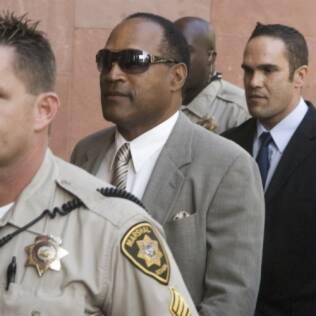 O.J. Simpson chegando ao tribunal de Las Vegas, em 2007